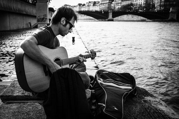 Le-guitariste_7259000480_l